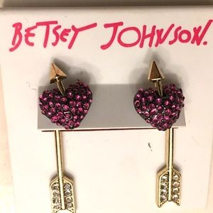 BETSEY JOHNSON ❤️ Heart and Arrow Earrings ❤️